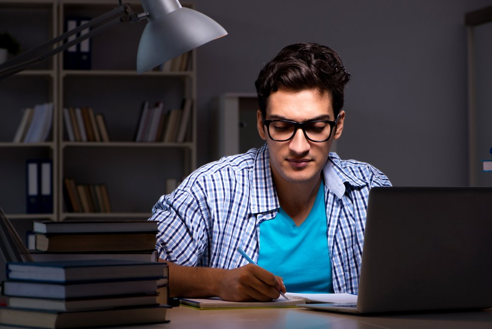 man studying for entry level it certification